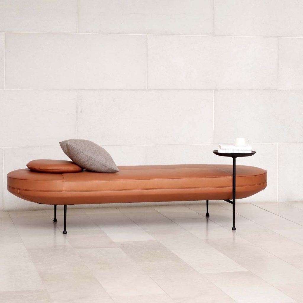 Daybed med indbygget bord