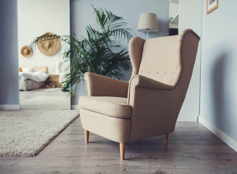 Lænestol med høj ryg