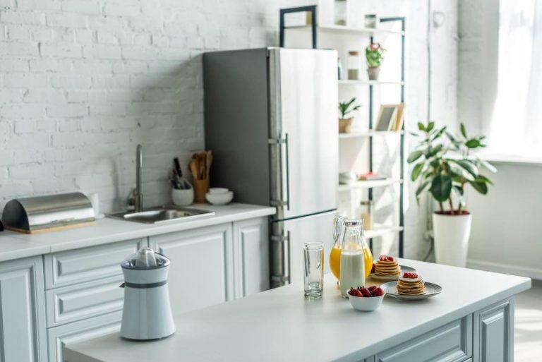 køleskab med fryseboks