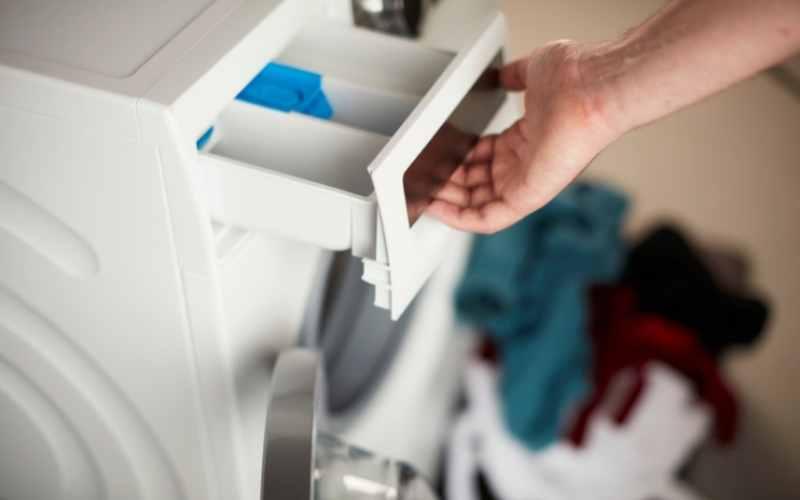 rengøring af vaskemaskinens sæbeskuffe